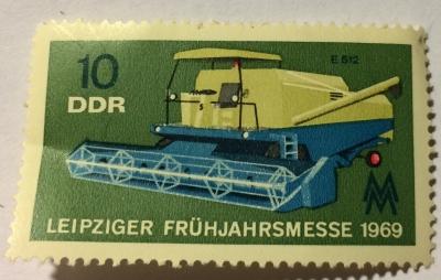 Почтовая марка ГДР (DDR) Combine harvester | Год выпуска 1969 | Код каталога Михеля (Michel) DD 1448-2