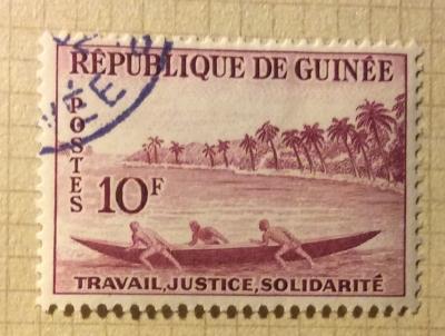 Почтовая марка Республика Гвинея (Rebulique de Guinee) Pirogue | Год выпуска 1959 | Код каталога Михеля (Michel) GN 12