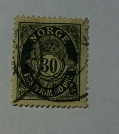 Почтовая марка Норвегия (Norge postfrim) Posthorn 'NORGE' in Roman Capitals   Год выпуска 1927   Код каталога Михеля (Michel) NO 102