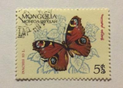 Почтовая марка Монголия - Монгол шуудан (Mongolia) Peacock Butterfly (Inachis io)   Год выпуска 1963   Код каталога Михеля (Michel) MN 336